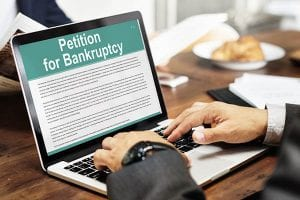Filling out a petition for bankruptcy online